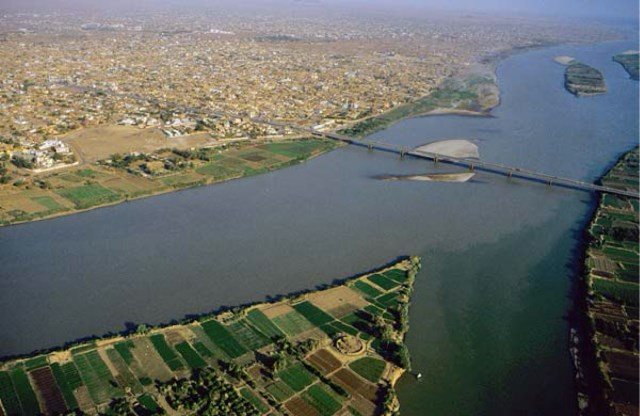 Impact of Land Use Changes on Vegetation Cover and Sustainable Livelihoods along the Banks of Niles at Khartoum State, Sudan